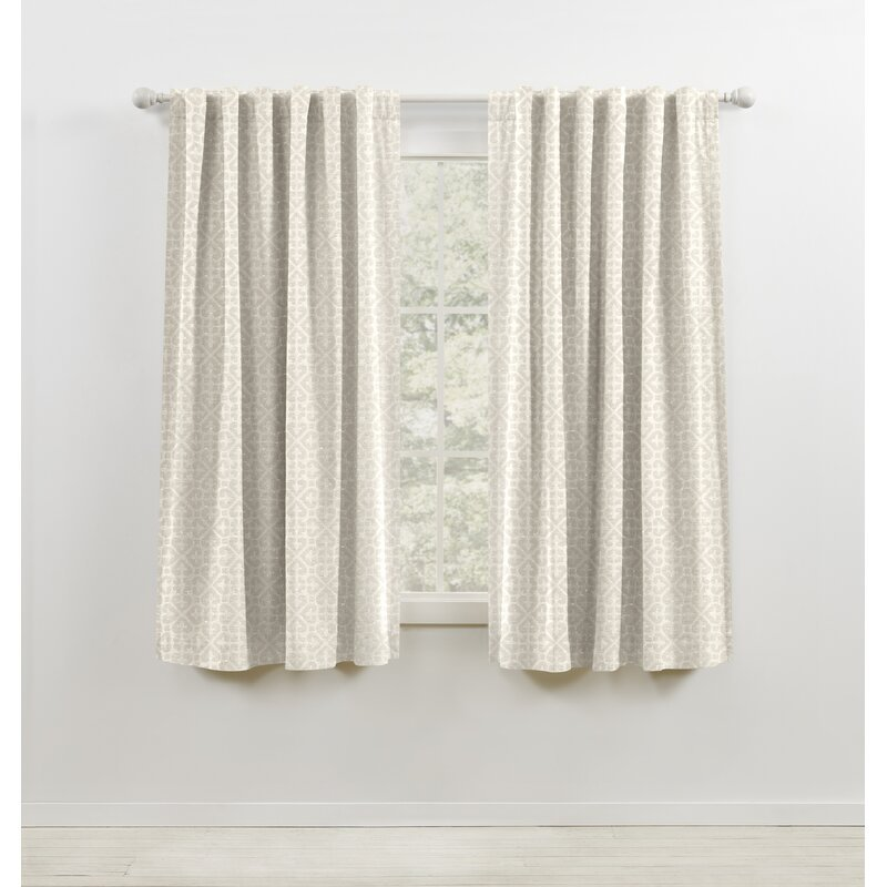 Off-White Blend curtains for ivory walls